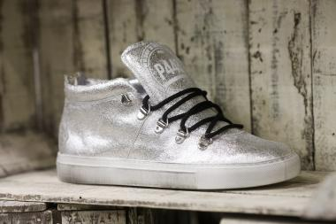 Shoes must glitter in winter 2016/17