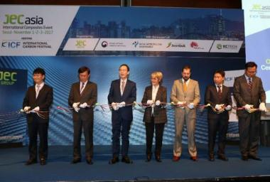 Ribbon Cutting Ceremony at JEC Asia 2017 (from Left to Right): M. CHUNG, M. PARK, M. SONG, Ms. MUTEL, M. DERUFFE, M. YOON and M. AHN
