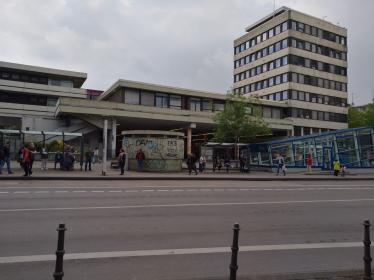Aachen Central Bus Station before the introduction of green.fACade