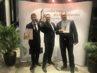 Awardees (f.l.t.r.): Matthias Kreye (COO), and Perlon Managing Directors Florian Kisling and Michael Holzmann