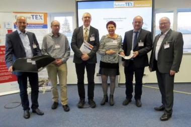 "Akteure der Kompetenzwerkstatt ""Perspektiven techTex"" (v. l. n. r.): Dr. Fischer, Faserinstitut Bremen e.V.; Wonneberger, INVENT GmbH; Dr. Franitza, FE-Union; Dr. Meinelt, P3N MARKETING GMBH, Dr. Rebenklau, Fraunhofer-Institut IKTS; Zschenderlein, futureTEX-Projektleiter"
