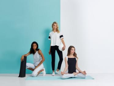 ROICA™ Premium Stretch Innovations  for the Modern Wardrobe
