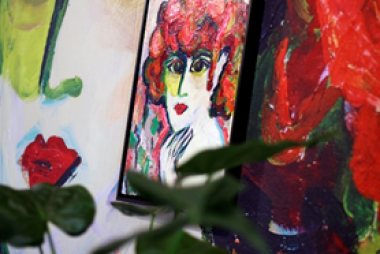 At ITMA 2019, Mimaki will collaborate with Dutch fashion designer Tessa Koops, printing her designs onto a variety of applications, including curtains, cushions, and wallpapers.